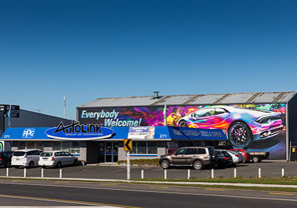 Fusion Print graphic wrap, Autolink Supplies, Kahikatea Drive, Hamilton, Wednesday 17 August 2016, Hamilton. Photo: Stephen Barker/Barker Photography. ©Fusion Print.